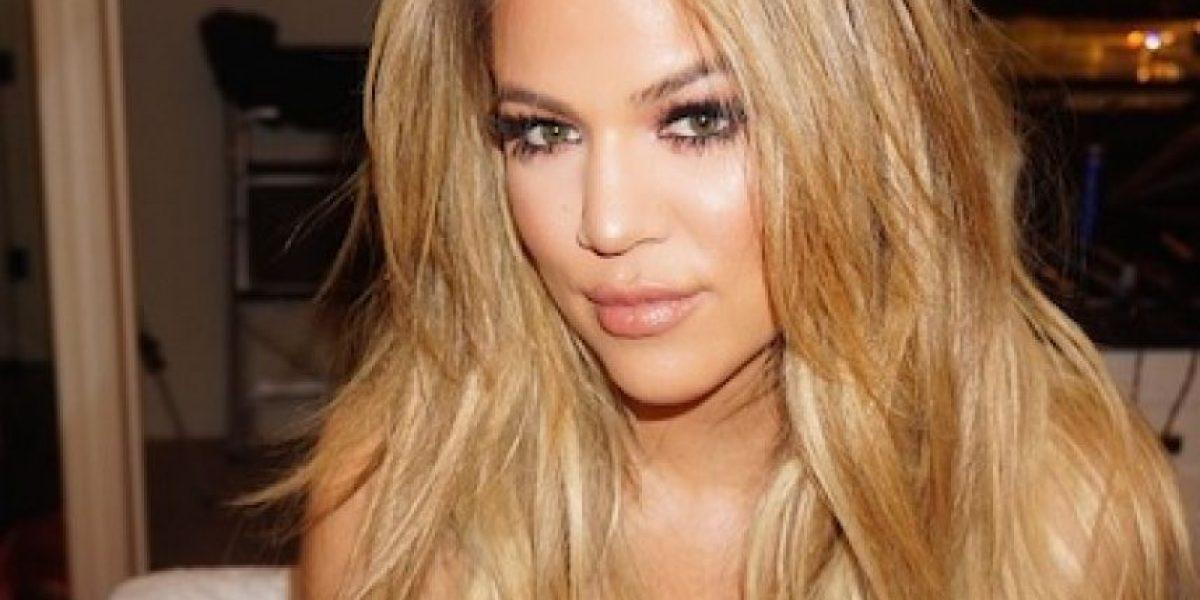 Khloé Kardashian presume sus curvas en la portada de la revista
