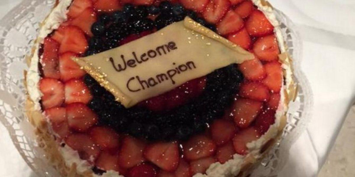 La especial tartaleta con la que recibieron a Miiko Albornoz en Alemania
