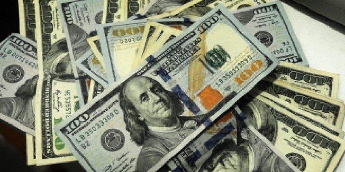 El dólar no para y suma octava alza consecutiva