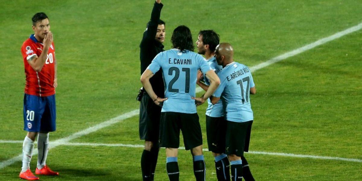 Cavani y Tabarez tienen castigo por los incidentes ante Chile en la Copa