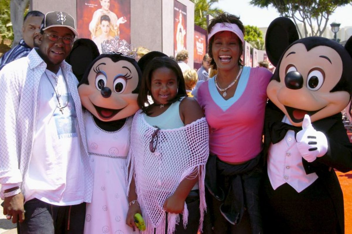 Fue hija de la fallecida cantante Whitney Houston. Murió luego de estar seis meses en coma. Foto:Getty Images. Imagen Por: