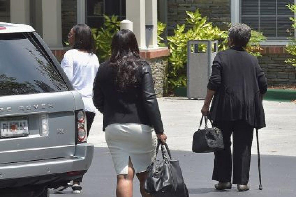 """Finalmente, una fuente reveló a """"Us Weekly"""" que los familiares de la joven habían comenzado a limpliar y a tirar todas las pertenencias de Bobbi. Foto:Getty Images. Imagen Por:"""