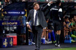 """Pero el """"Piojo"""" no olvidó las criticas del comentarista de TV Azteca por la eliminación en la Copa América Foto:Getty Images. Imagen Por:"""