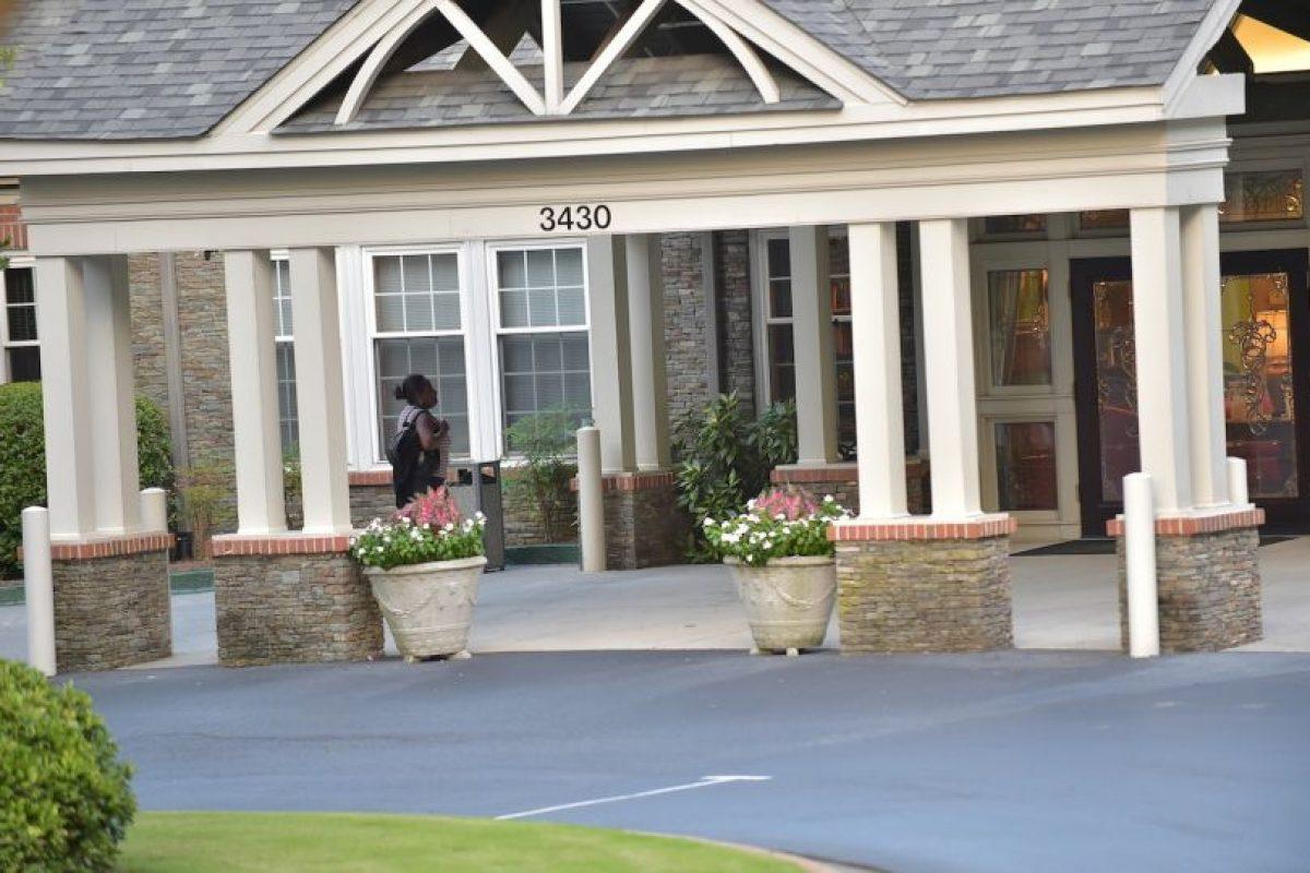 Posteriormente, se le prohibió a todos los miembros de la familia Brown que visitaran a Bobbi, a raíz de que intentaran vender una fotografía en la que la hija de Whitney Houston aparecía inconsciente en una de las camas del hospital. Foto:Getty Images. Imagen Por: