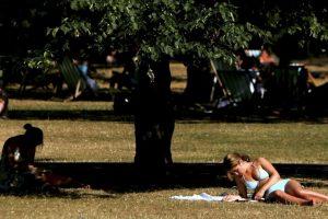 Angelique Sloss estaba tomando el sol con sus amigos cuando fue atacada. Foto:Getty Images. Imagen Por: