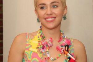 """Miley Cyrus. En 2013, la cantante le confesó a la revista """"Elle"""" que, durante una de sus giras, se hospedó en un departamento aparentemente embrujado, en Londres Foto:Getty Images. Imagen Por:"""