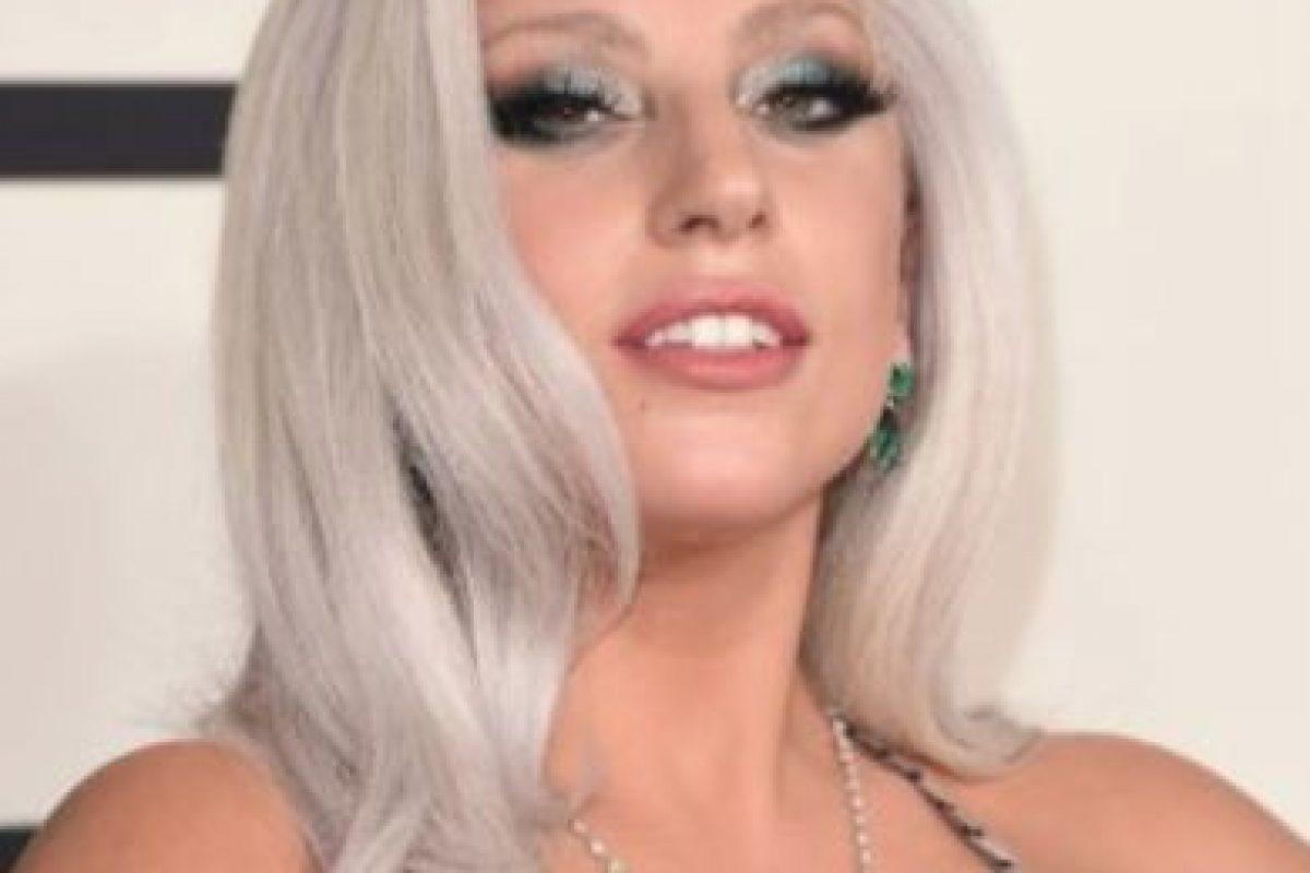 Lady Gaga. En 2010, una fuente aseguró a la revista Daily Star, que la cantante sentía la presencia de un fantasma llamado Ryan, al que no podía alejar de su casa pues viajaba con ella a todas partes Foto:Getty Images. Imagen Por: