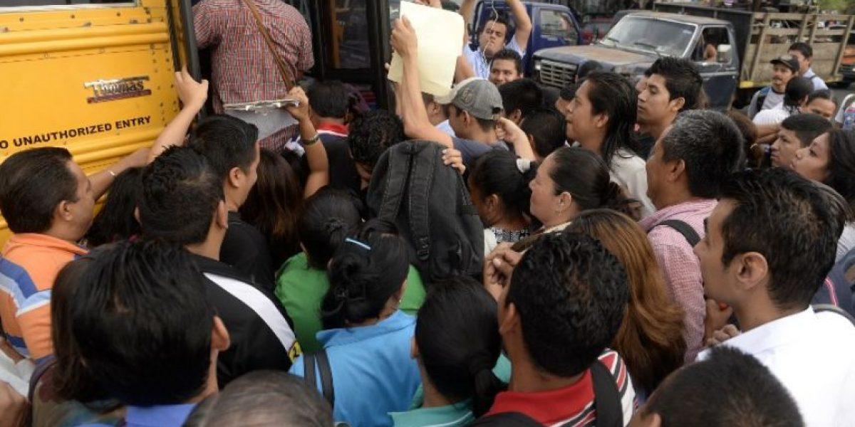 Gobierno enfrenta paro de transporte provocado por pandillas en El Salvador