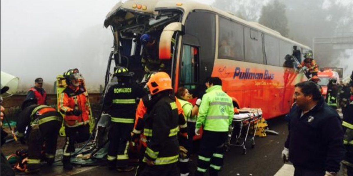 Bus choca y deja 18 personas lesionadas en San Antonio