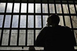 Ahora, mientras leía sentencia, reconoció a un hombre que había estado en un crucero Foto:Getty Images. Imagen Por:
