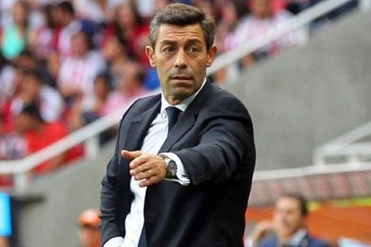 Pedro Caixinha, entrenador portugués del Santos de México. Foto:Twitter. Imagen Por: