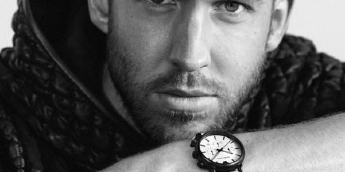 Calvin Harris presume su cuerpo en la nueva campaña de Emporio Armani