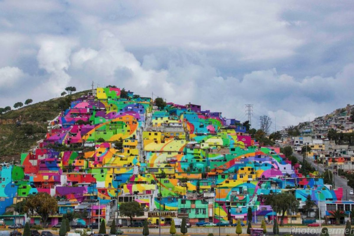 El gobierno mexicano contrato al colectivo artístico Germen Crew, para trasformar un pueblo de Hidalgo. Foto:Vía facebook.com/muralismogermen. Imagen Por:
