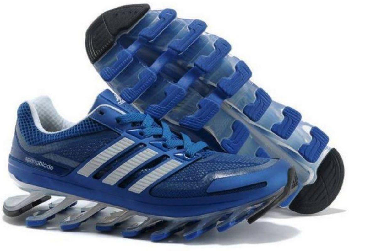 Estos eran los zapatos deportivos que el recluso se compraría después de salir de la cárcel Foto:facebook.com/ruben.senatore.14/photos. Imagen Por:
