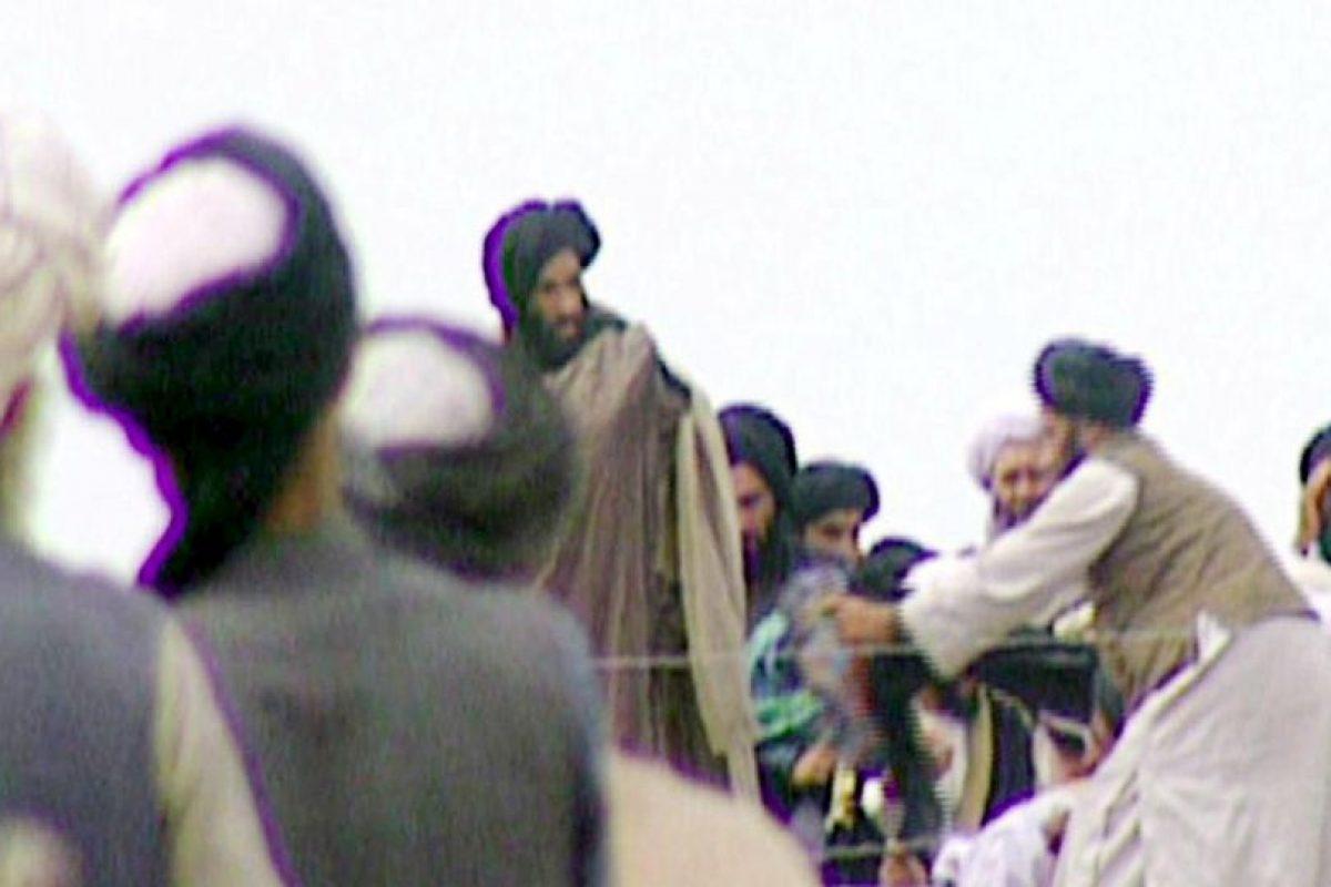 El líder religioso mulá Omar, no se había visto en público desde el 2001 Foto:AFP. Imagen Por: