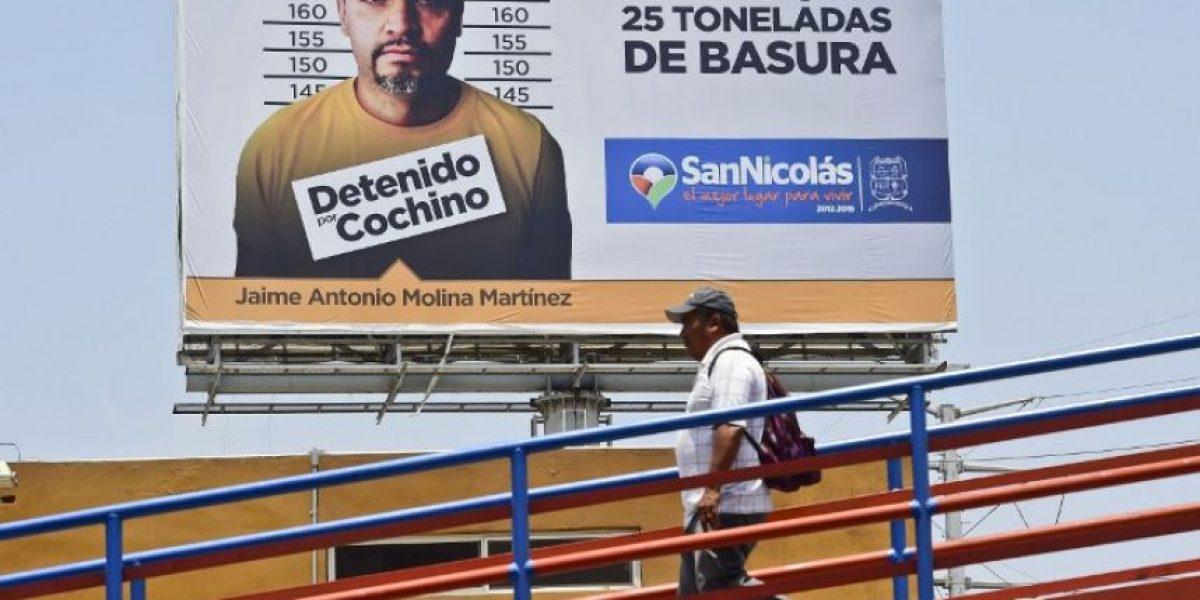 Exhiben en carteles panorámicos a quienes tiren basura en norte de México