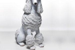 Figura decorativa poodle blanca. Imagen Por:
