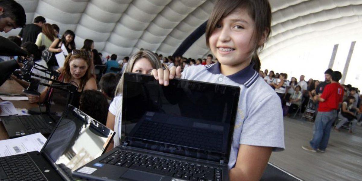 Hasta el viernes estudiantes de séptimo de colegios públicos puedan elegir color de computadores