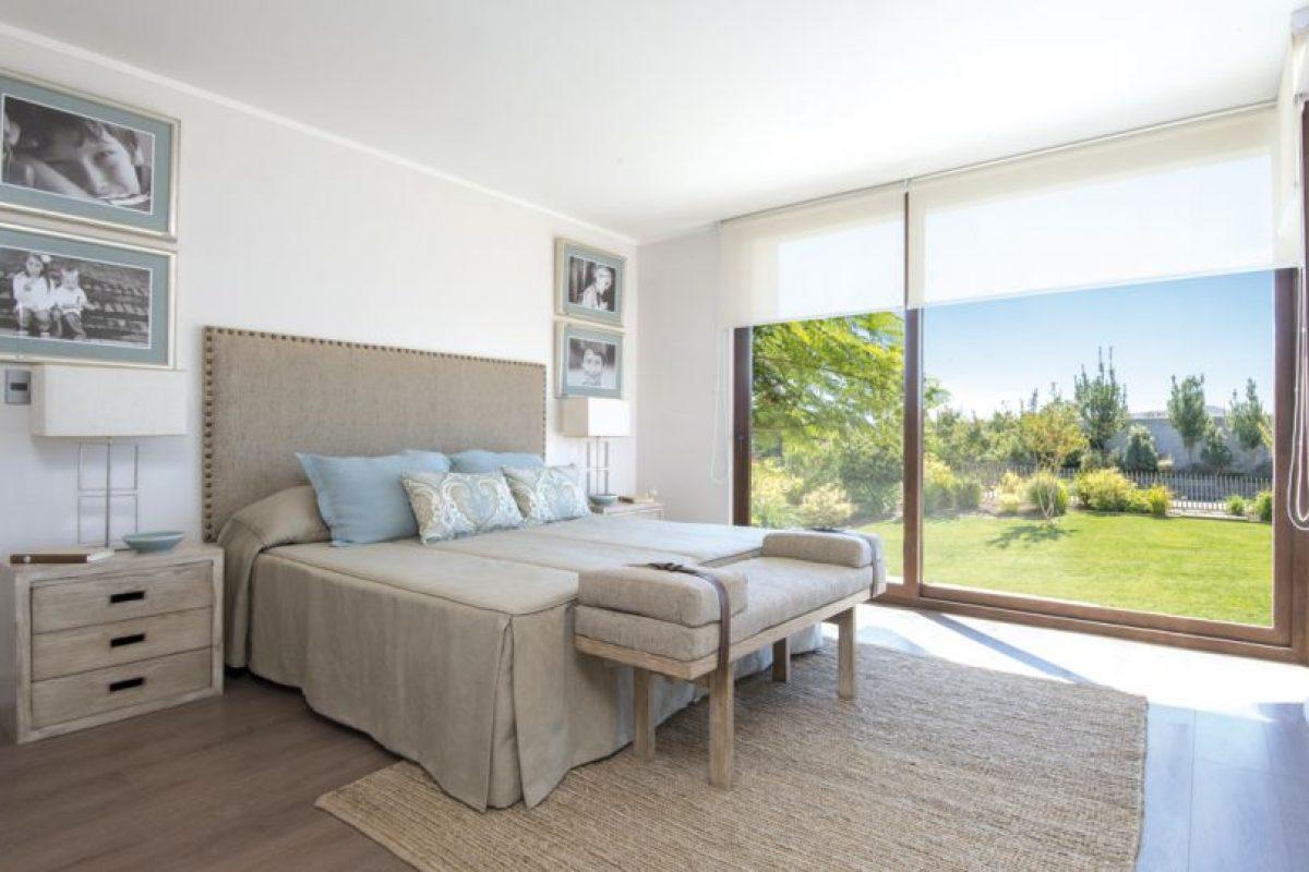 Dormitorio principal Casa Quilay. Imagen Por: