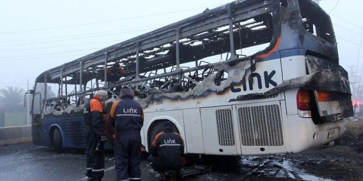 Fiscalía inicia investigación por quema de bus en Rancagua
