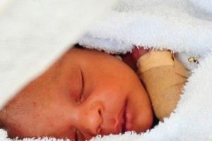 """4. En 2013, un bebé de mes y medio de nacido fue declarado """"muerto"""". Foto:Getty Images. Imagen Por:"""