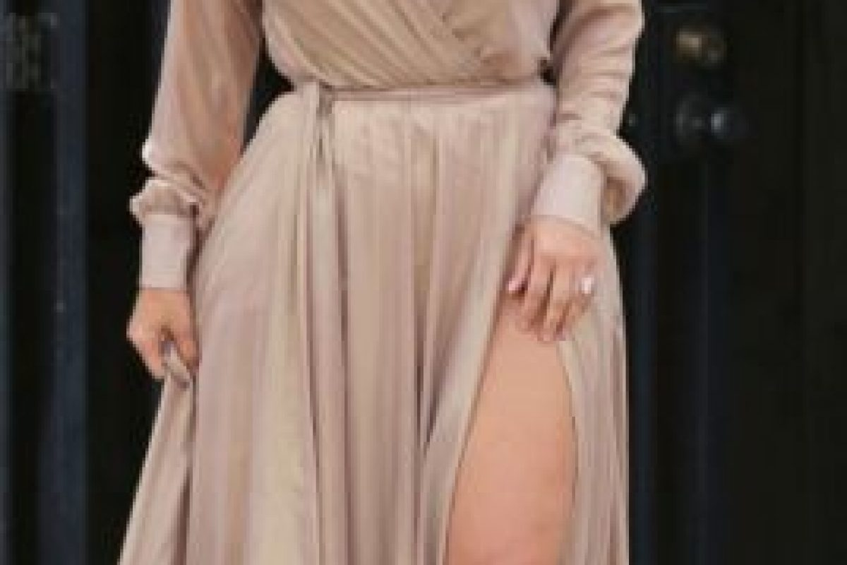 Un vestido que la ensancha, mas no se le ve tan mal. Foto:vía Getty Images. Imagen Por: