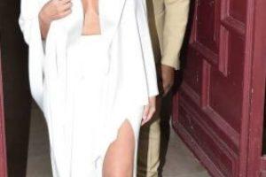 Kim Kardashian a veces lo hace bien y cuando lo hace mal lo hace horrible, si se habla de moda. Pero antes de Kanye West, se vestía mucho peor. Foto:vía Getty Images. Imagen Por: