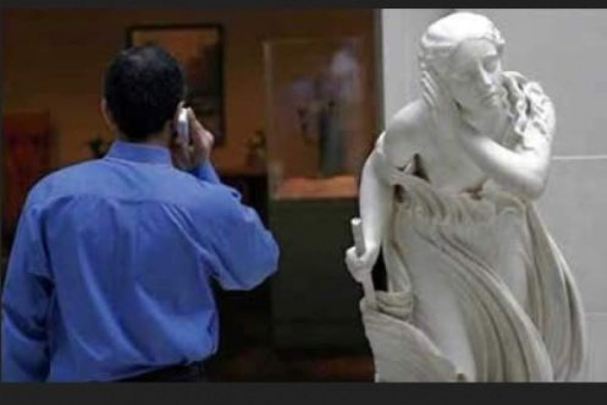 Escuchando conversaciones ajenas Foto:Pinterest. Imagen Por:
