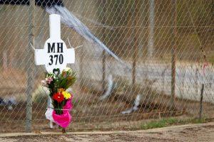A partir del 15 de marzo, una semana después de la desaparición, se supo que la última señal confirmada entre el avión y los satélites se produjo a las 8:11 de la mañana Foto:Getty Images. Imagen Por: