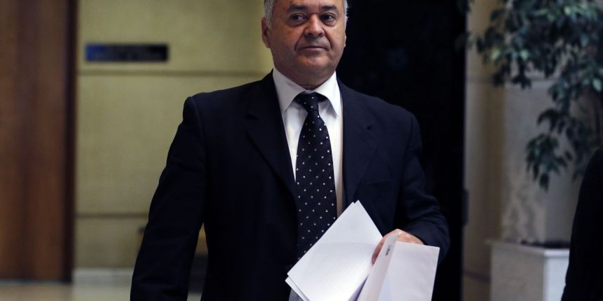 Diputado UDI pide honores militares para Manuel Contreras