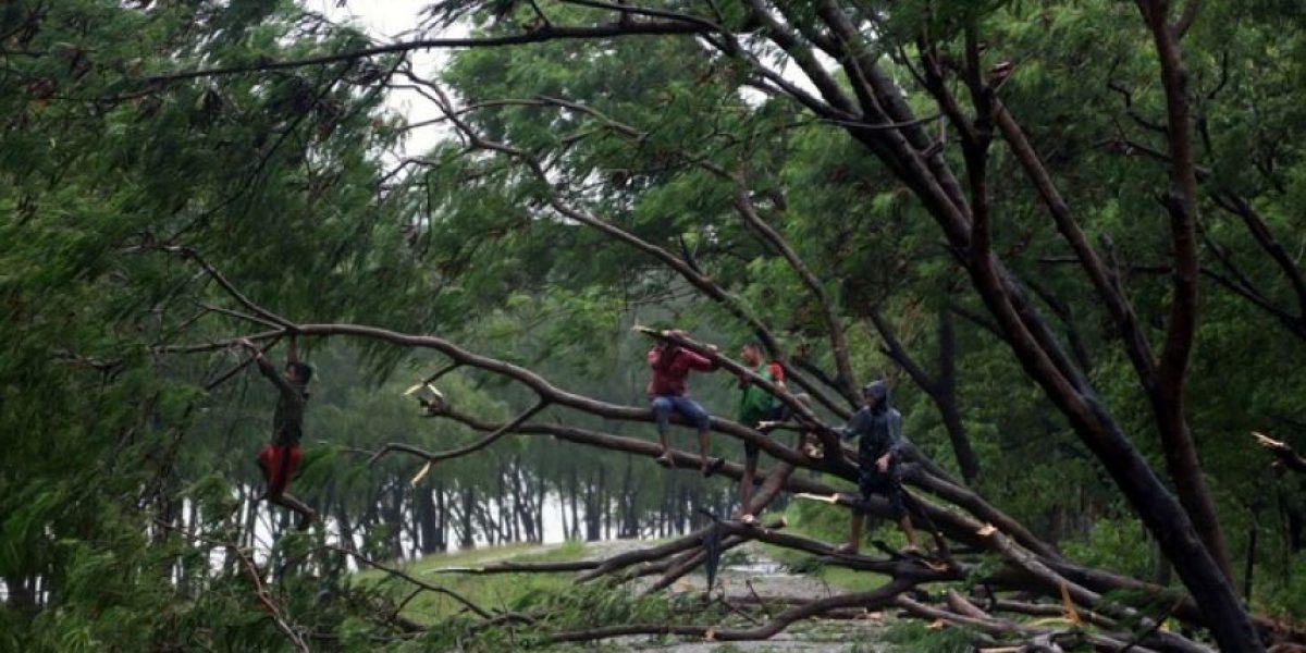 Miles de personas evacuadas por ciclón en Bangladesh