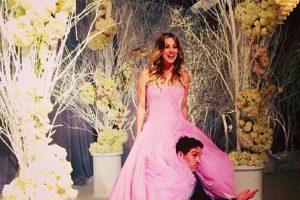 Kaley decidió casarse como si fuese a sus 15 años. Foto:vía Instagram/kaleycuoco. Imagen Por: