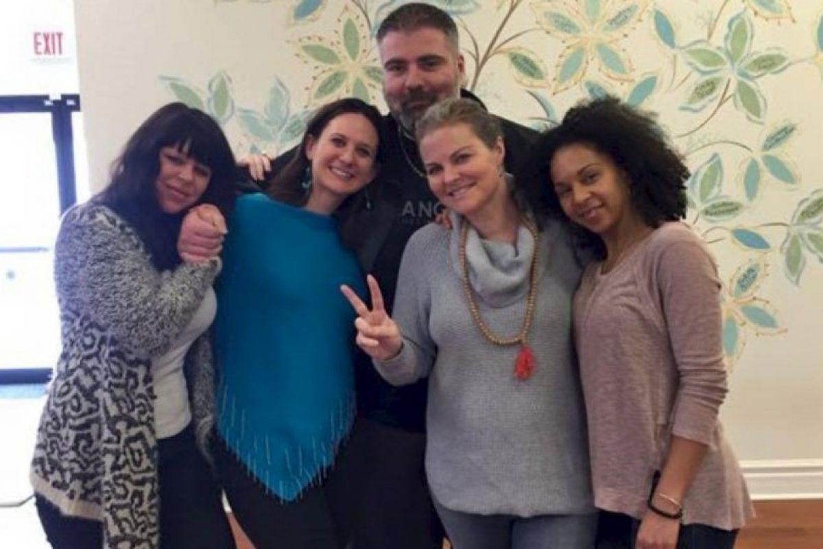 Elizabeth Diamond (centro derecha) y Laura Ruffino (centro izq), eran amigas desde hace mucho tiempo. Foto:Vía youcaring.com. Imagen Por: