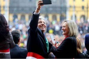 Manuel Pulgar Vidal fue criticado por sus selfies durante un mensaje del presidente Ollanta Humala. Foto:Vía Flickr.com/PresidenciaPerú. Imagen Por: