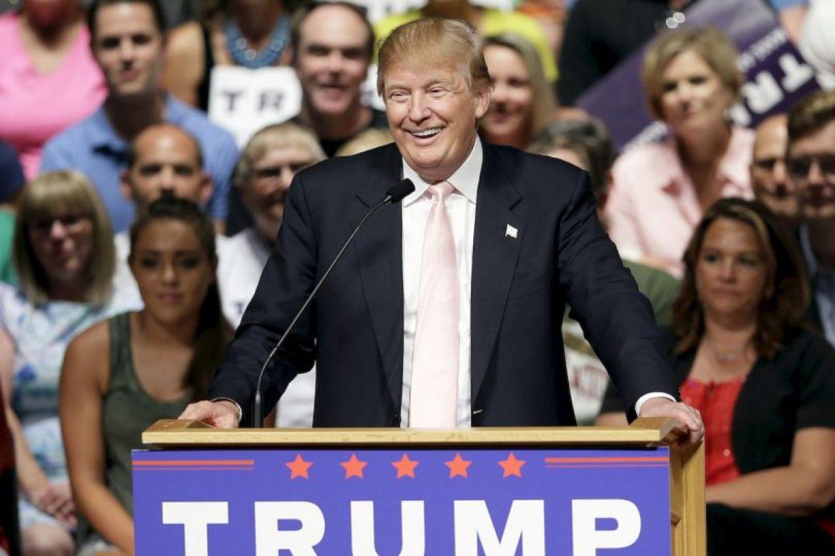 """1. """"Ellos lo aman y lo odian. Donald Trump triunfa hasta ahora. Pero, ¿los votantes realmente lo quieren? Tal vez no tanto"""", dijo Tim Malloy, director adjunto de la encuesta. Foto:AP. Imagen Por:"""