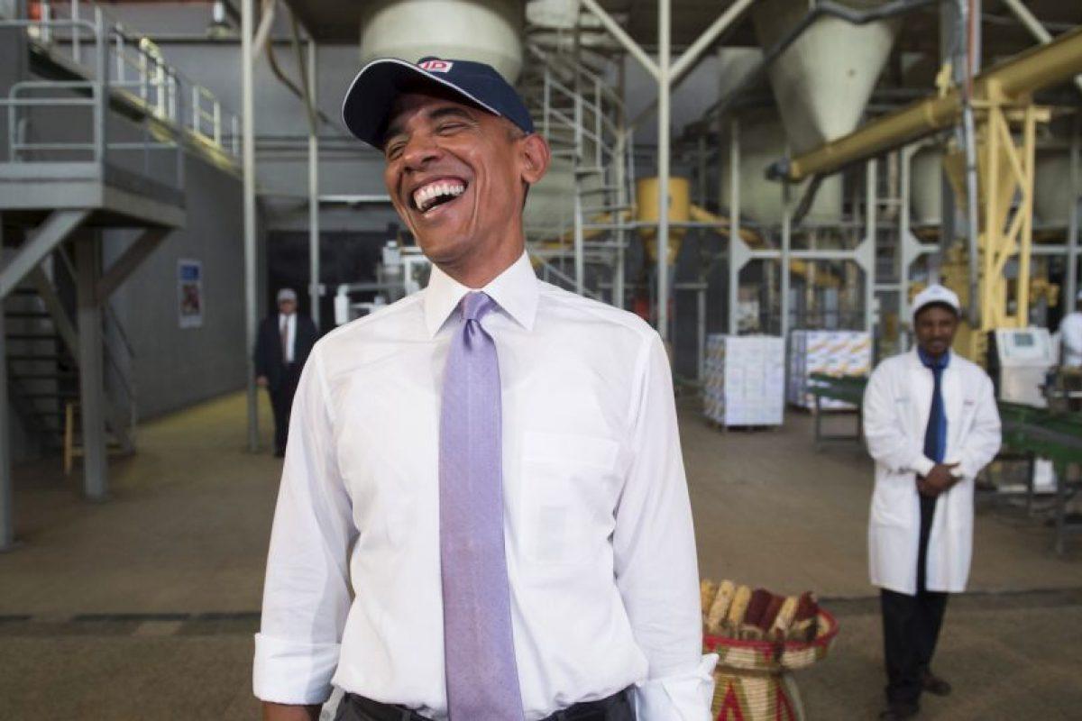 Barack Obama en una fábrica de comida en Etiopía. Foto:AFP. Imagen Por: