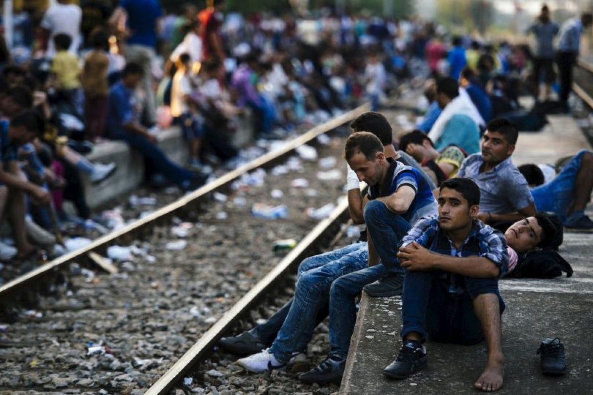 Migrantes que pretenden llegar a Macedonia. Foto:AFP. Imagen Por: