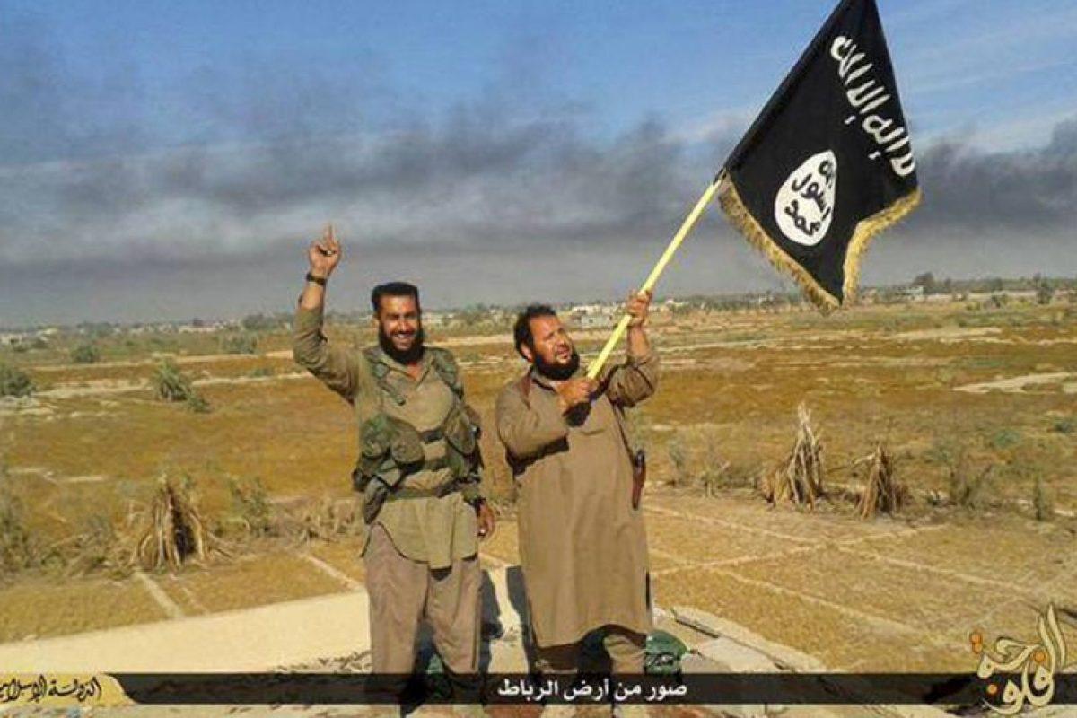 Y evitar que la propaganda del grupo terrorista se siga expandiendo. Foto:AP. Imagen Por: