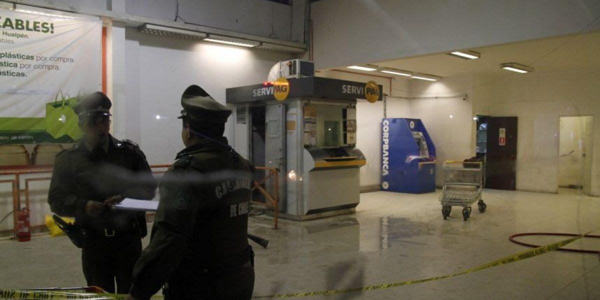 Cajero de Servipag quemado durante asalto es trasladado a Santiago