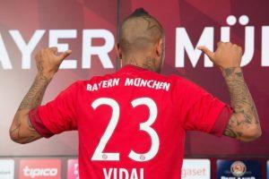 Respuesta: b) Fue presentado en el Bayern Munich Foto:Agencia Uno. Imagen Por: