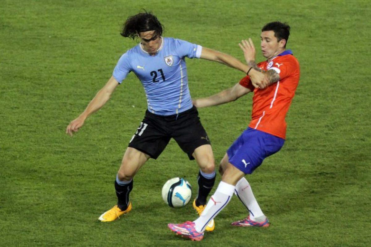 Respuesta: b) Penarlo por las agresiones a los árbitros del encuentro con Chile Foto:Agencia Uno. Imagen Por: