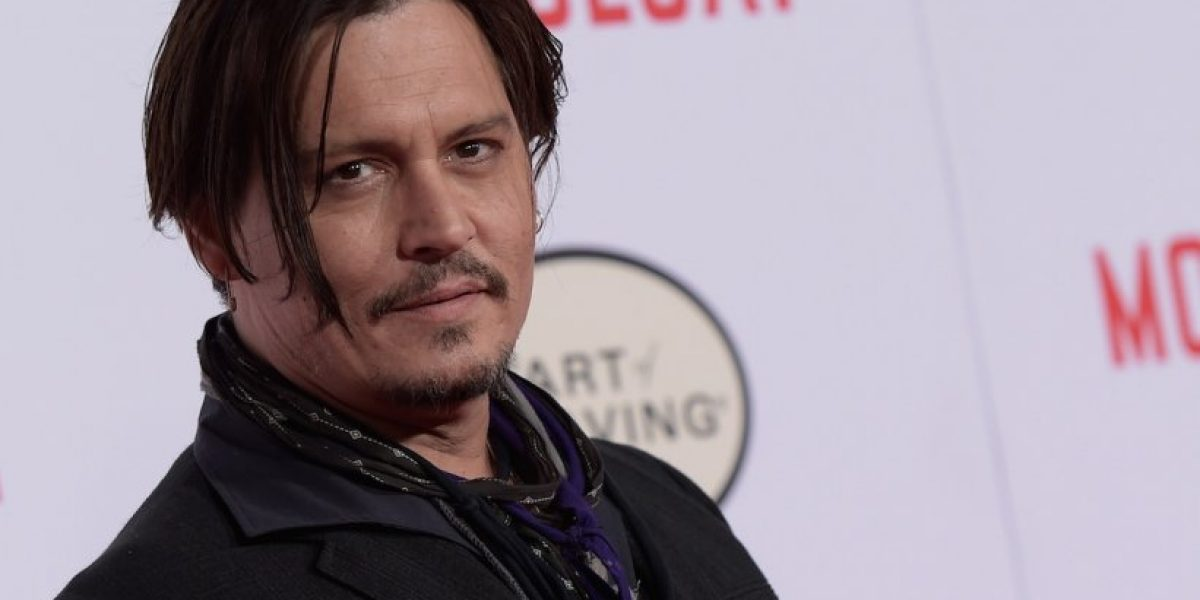 VIDEO: Johnny Depp luce irreconocible en su nueva película