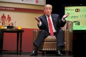 """""""Detrás de Trump están el gobernador de Wisconsin, Scott Walker, con 13 por ciento y el ex gobernador de Florida, Jeb Bush, con 10 por ciento. Ningún otro republicano supera el 6 por ciento y el 12 por ciento están indecisos"""", detalla el informe. Foto:Getty Images. Imagen Por:"""