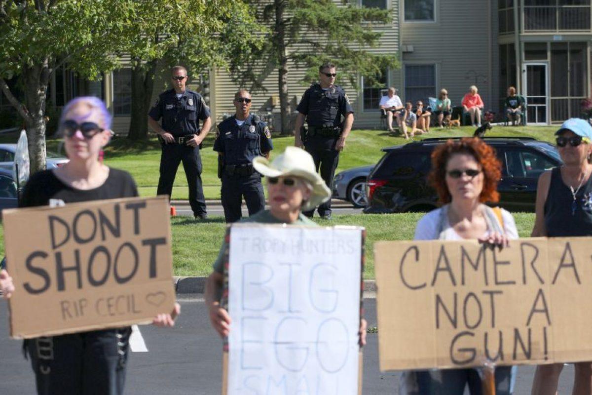 """Piden que se hagan """"disparos"""" con cámaras fotográficas y no con armas Foto:Getty Images. Imagen Por:"""