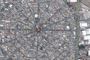 Colonia de México, DF. Una telaraña gigante Foto:Google. Imagen Por: