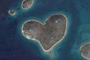 ¿Conocían la isla de Galesnjak, en el mar Adriático? ¡La isla con forma de corazón! Foto:Google. Imagen Por: