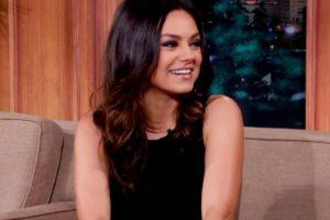 """2. A Mila Kunis no le gusta que la subestimen y """"Star-Ledger"""" le preguntó por cosas personales. Ella evadió todo con elegancia. Foto:vía Youtube. Imagen Por:"""