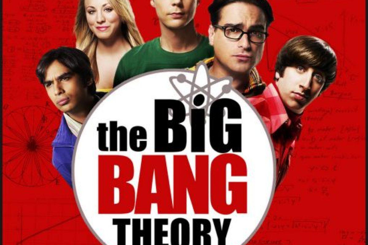 Esta serie cómica protagonizada por cuatro científicos, geeks y nerds acompañados de una guapa rubia algo despistada Foto:CBS. Imagen Por: