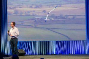 En el segundo día de la conferencia especial de Facebook F8 celebrada este año, la compañía anunció el avance en el proyecto de un dron que llevaría el Internet a todo el mundo Foto:Facebook. Imagen Por: