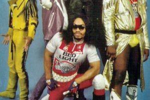 """15. """"Grandmaster Flash & The Furious Five"""". Es un grupo estadounidese de hip hop. ¿Qué les parece su vestimenta? Foto:Tumblr. Imagen Por:"""